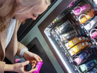 Rettomat: Snack-Automat mit geretteten Lebensmitteln